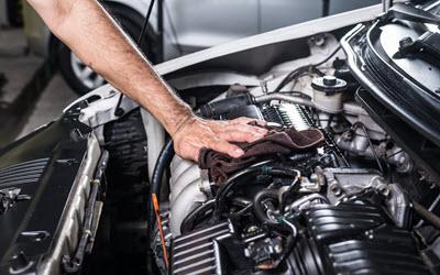 Mercedes Engine Servicing